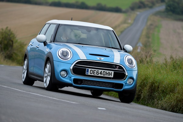 MINI Cooper: Full-on fun for five!
