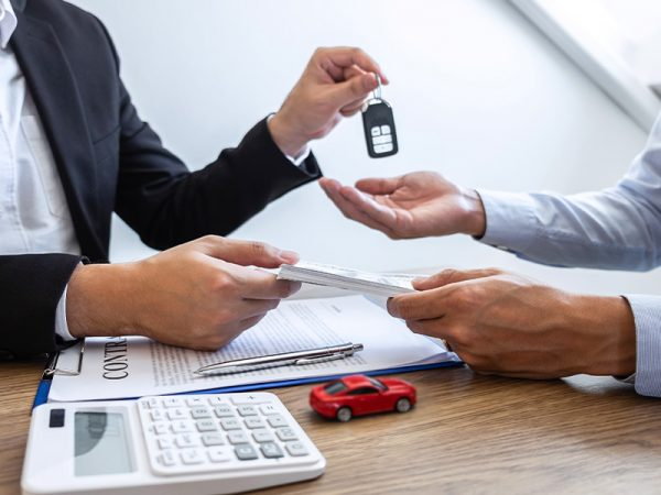 How to sell a financed car in the UAE? Here are your three options